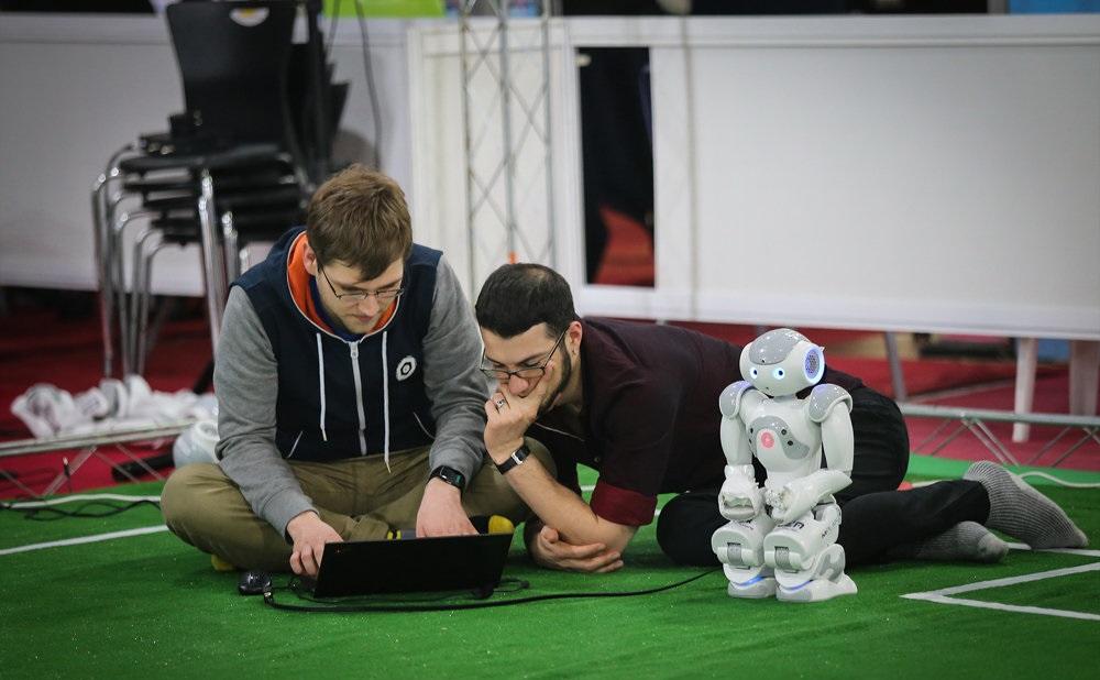 بهترین آموزشگاه رباتیک شیراز